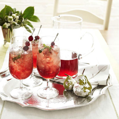 54f65b0b04211_-_christmas-cranberry-juleps-recipe-ghk1210-nz1j9t-xl